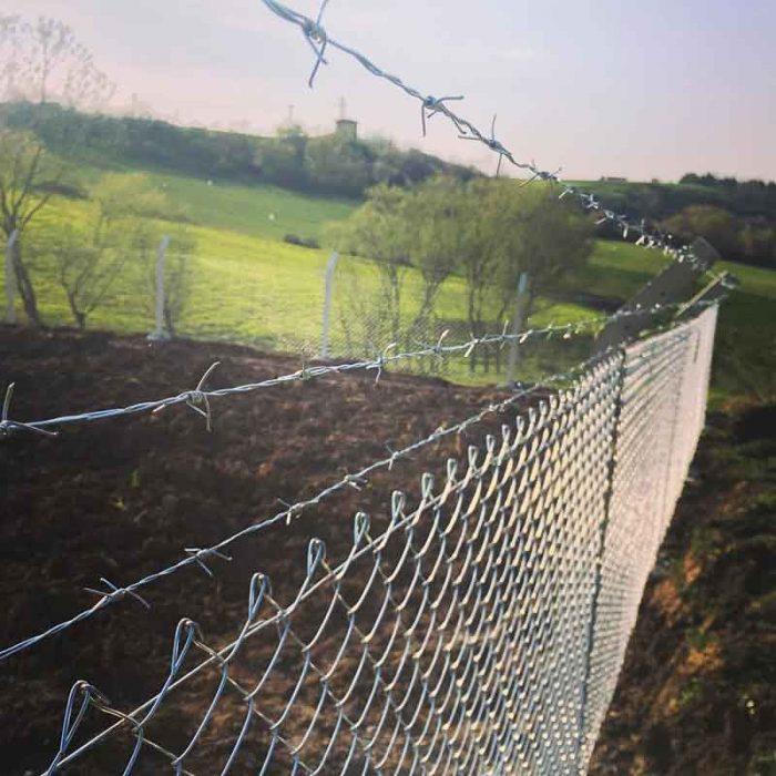 beton direkli tel çit nasıl yapılır