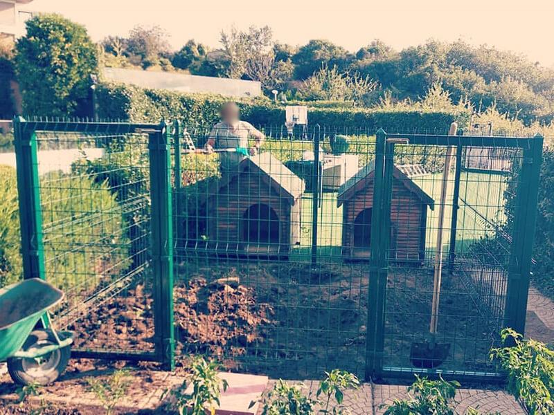 Büyük Bahçeler İçin Tel Köpek Kulübeleri