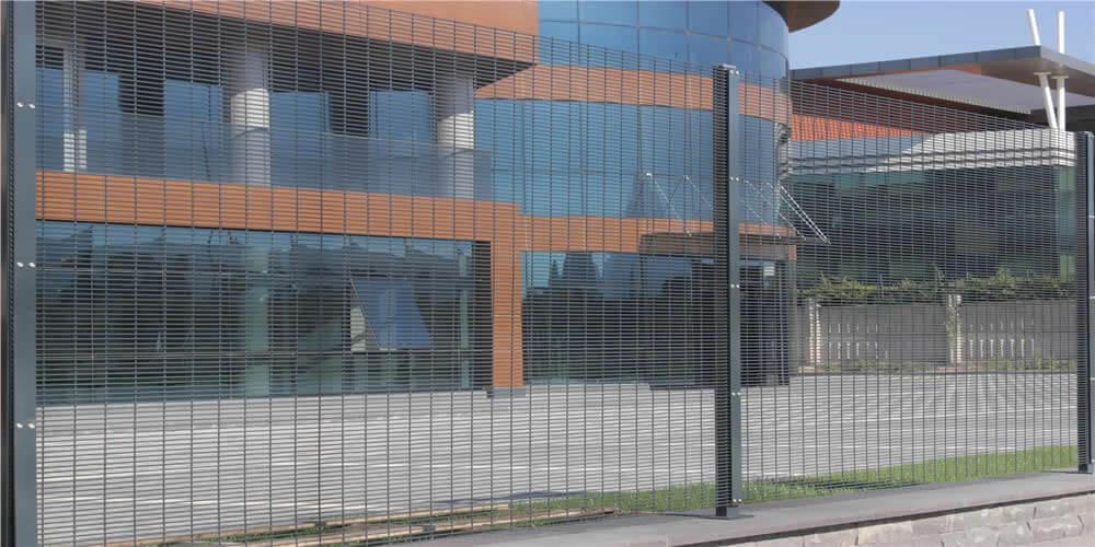 yüksek güvenlikli panel çit fiyatları