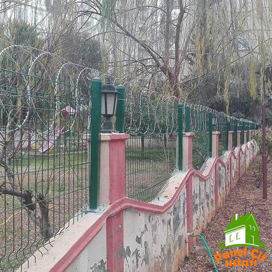 Duvar üstü çit teli