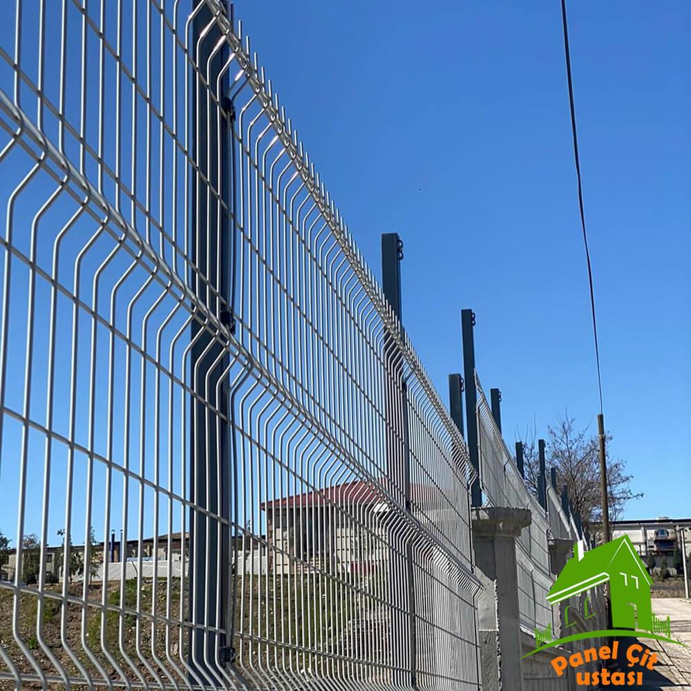 beyaz panel çit teli