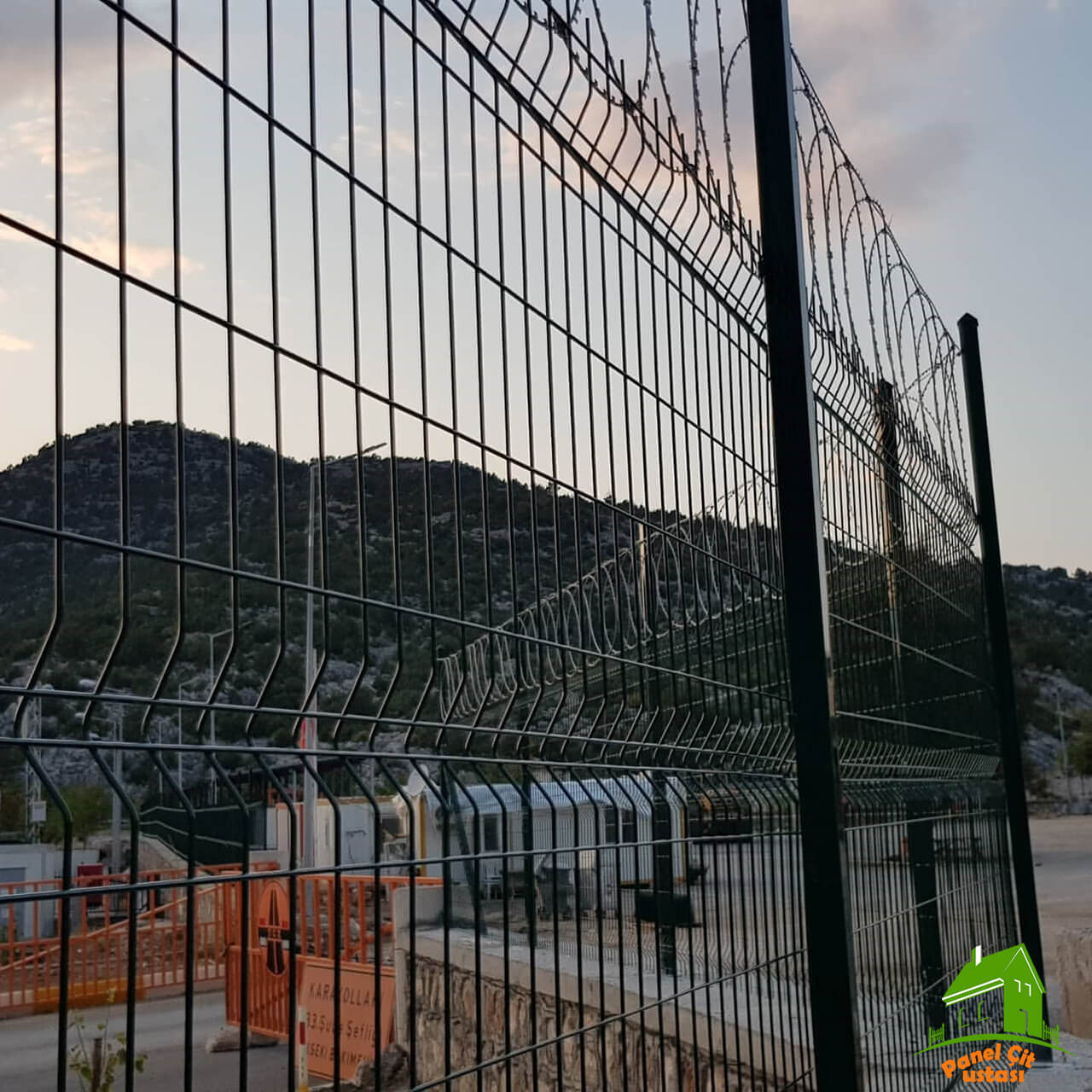 jiletli panel çit